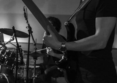 Andy Muziek bij plaatselijke jeugdband